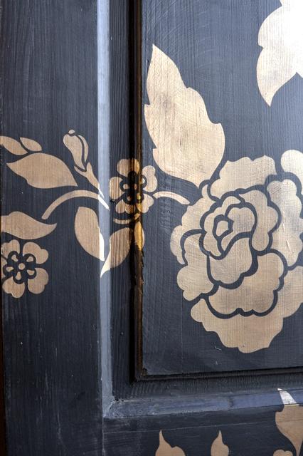 Door 051