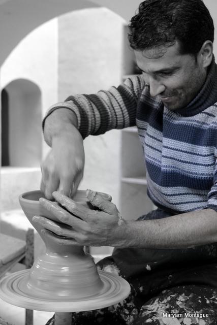 Afghan pottery 9