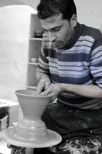 Afghan pottery 8